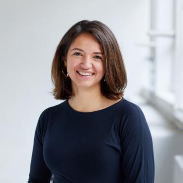 Stephanie Tauber Gomez